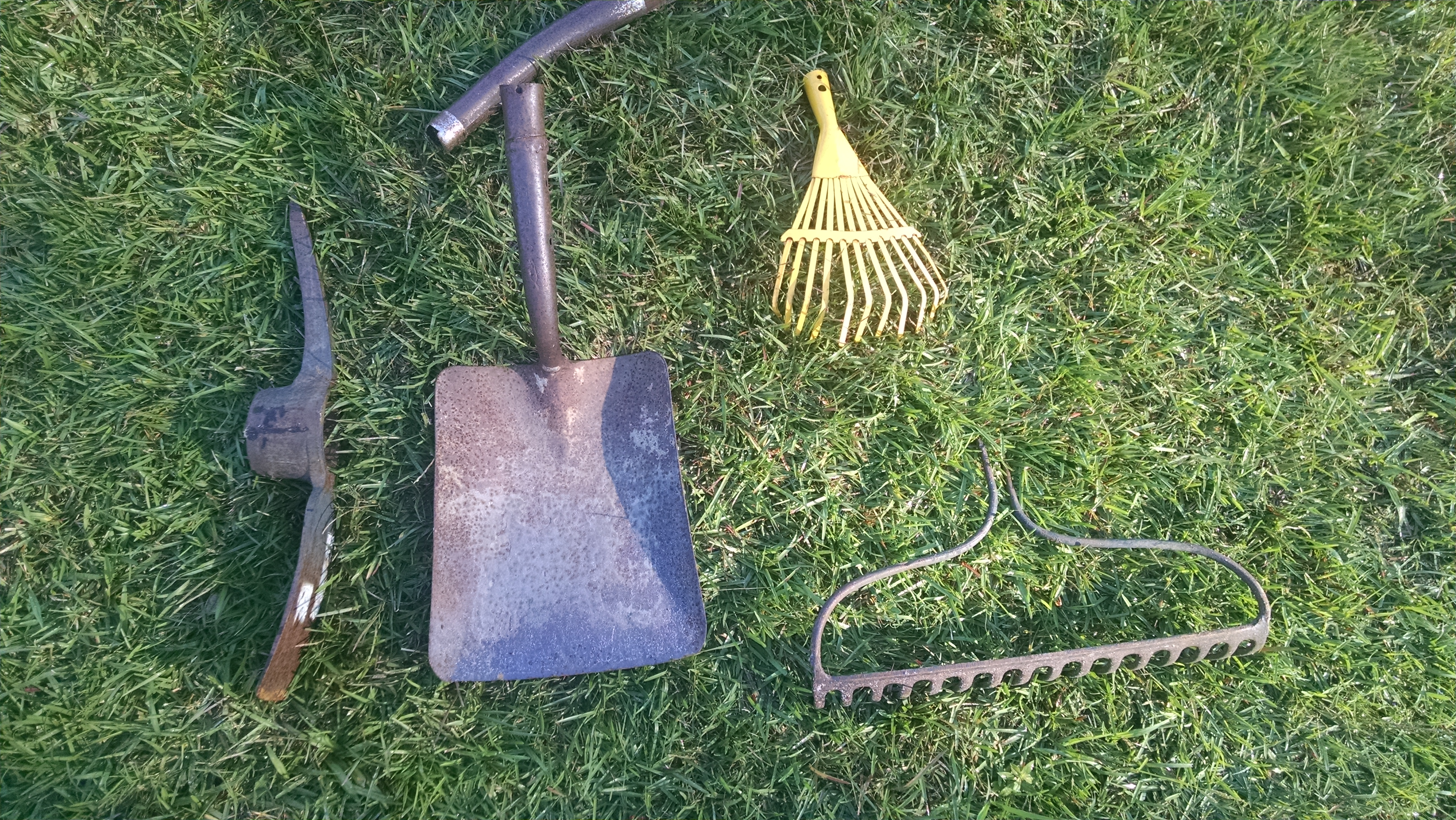 What garden tools do you need katy had a little farm for Gardening tools you need
